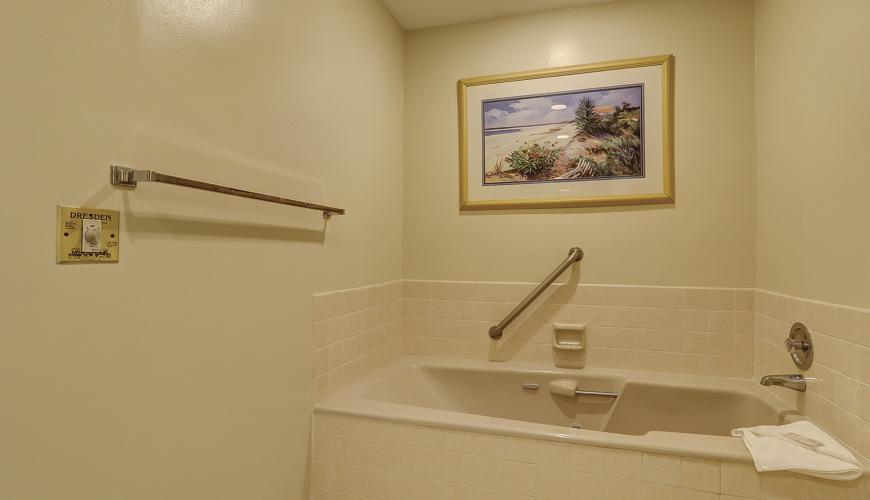 Master Bath With Soaking Tub